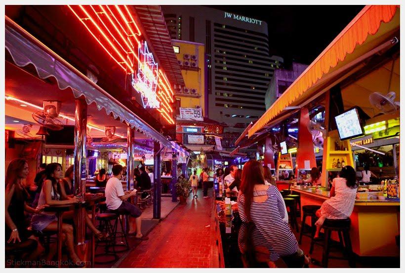 Ladyboys in sukhumvit bangkok-9573